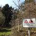 Warnung beim Aufstieg zur Burgruine