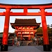 Der Schrein von Fushimi Inari-Taisha / 伏見稲荷大社.