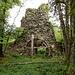 Toranlage der Ruines de la Châtelaine.