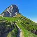 """auf dem Weg von den Staubern zur Saxerlücke, Berg """"Hochhus"""" mein Zwischenziel, der Mutschensattel bereits in Sichtweite."""