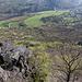 Lipská hora - Tiefblick hinunter nach Lhota, südwestlich des Berges.