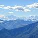 Auf dem Monte Gambarogno. Blick Richtung Südwesten. Weiss jemand welche hohen Berge man im Hintergrund sieht?
