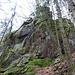 Felsblock am Wegesrand