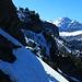 Querung zum Bibergcouloir, darüber die Doldenhornhütte, rechts davon der Gross Lohner