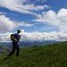 Wandern mit Aussicht und doppeltem Rucksack (Foto: [U Xinyca])