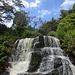 eine kleine Stufe der Waipo'o Falls ...