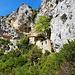 Blick zurück zur 'an den Fels geklebten' Ermitage