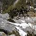 nach einer gemütlichen Pause in der Hochkogelhütte wieder im Abstieg, das Felssturzgelände vor mir<br />