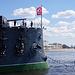 Panzerkreuzer Aurora, frisch renoviert und mit neuer Beflaggung.