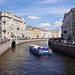 Bootstouren auf den Kanälen werden hier reichlich angeboten.
