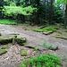 Das Eyertor befindet sich ebenfalls auf dem Bergrücken. Durch dieses Tor gelangte man vom mittleren ins südliche Lager. Die heutigen Ruinen stammen von einem römischen Kammertor.