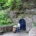 Im Hang unterhalb des Klosters entspringt in einer Felsgrotte eine Quelle, deren Ursprung auf die Heilige Odilia zurückgehen soll. Da dem Wasser bis heute Heilkraft bei Augenerkrankungen nachgesagt wird, nehmen es viele Pilger mit nach Hause.