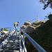 Mit Doppel-Rucksack auf der Leiter (Foto: [U xinyca])