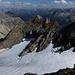 Allein am Gipfel - das Dritte Mal dort oben ... das Dritte Mal allein.<br />Blick nach Nordosten ... den Horizont bilden links die Allgäuer-, rechts die Lechtaler Alpen.<br />Nur die sich rasch nähernde Wolkenfront beunruhigt mich etwas ...