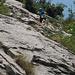 Sui primi facili metri di rocce rotte