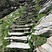 La magnifica scalinata nei pressi di Corte di Cima.