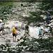 Eine geführte Truppe im Papageien Look im Klamm Aufstieg, ausgerüstet wie für das Matterhorn. Da hilft nur noch entfernen um das Ego nicht zu zerstören, aber ich bin ja auch von vorgestern, wo es das nicht gab.