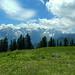 Im Süden das Schesaplanamassiv. Die Wolken sorgen für wechselnde Stimmungen.