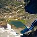 Tiefblick vom Krönten zum Obersee und zur Kröntenhütte, über die wir absteigen werden