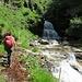 L'attraversamento del torrente a quota 1460 metri circa...