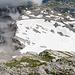 Tiefblick zur Mulde mit dem kleinen Gletscherrest