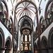 Die Kirche wurde im 12. und 13. Jahrhundert im rheinischen Übergangsstil von der der Romanik zur Gotik erbaut.
