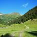 An der Maroigrund Alpe hat der lange Zustieg ein Ende.