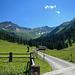 Bei einer Einkehr an der Alp Valüna kann man den wundervollen Talschluss auf sich einwirken lassen.