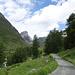 der Fahrweg biegt ins Val Tuoi ein