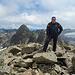 der Gipfelaufbau vom Radüner Rothorn besteht vor allem aus grossen bis sehr grossesn Blocksteinen