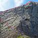 jetzt geht es weiter auf direktem Weg in Richtung Girenspitz, zuerst muss diese Felswand bezwungen werden, eine mögliche Route habe ich in einem Beitrag auf Hirk gefunden und genau so habe ich diese Wand überstiegen, der blaue Teil der Route ist der anspruchsvollere Teil. Schwierigkeit dieser Felswand KS (II)