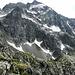 Blick zurück zum Ausstieg der Kletterroute. Bild vom Gipfel Aufgenommen. Beim genauen hinsehen, ist Dina auf dem Vorgipfel zu sehen