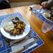 Piatto forte con patate arrosto, melanzane e thommy grigliato