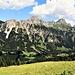 """Ritornati alla Krinnenalpe ecco di nuovo le magnifiche """"Tannheimer Dolomiten""""."""