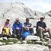 Auf dem Passo di Lucendro: Edith, [u Makubu], Stephan und Fritz.