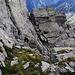 Die kurze Kletterstelle in gut gestuftem Fels oberhalb der Platte