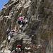 Klettersteigler in der Überhängenden Nase.