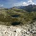 Im Aufstieg zum Pizzo dell'Uomo erblicken wir weitere Bergseen, welche wir später noch bewandern werden.