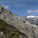 Bald ist der Gipfel erreicht, in der Ferne erblicken wir den Galenstock und weitere tolle Berge.
