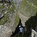 Uiui gruselig... Der Klemmstein ist unter meinem Schatten zu erahnen. Der Aufstieg auf der anderen Seite ist aber nicht so krass, wie es hier aussieht.<br /><br />Foto von paul_sch