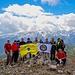 Mt. Radesha Bergsteigerteam. Gipfelfotot von 14. Mai 2017. Hinter uns sind die Albanischen Alpen