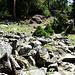 durch die Steine