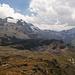 Weiter Richtung Süden, der Berg mit dem Gletscher links könnte der Chapütschin sein