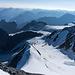 Abstieg zur Dossenhütte.. Die Gletscher zwischen Dossen und Ränfenhorn sind ganz schön aper!