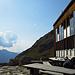 Auf der Hütten-Terrasse lässt sich gut relaxen
