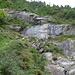 die Wasserfälle am Wegesrand kann man leicht übersehen