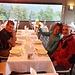 Castel de Verghiu: cena in un ristorante vero!!!!! E pure con possibilità di avere un menù vegano (vedasi bigliettino!!!!).... Bhè, oggi, 11 agosto, sarebbe appunto S. Chiara!!!! Regalone!!!!