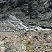 Abstieg vom Gletscher nun entlang des Gletscherbachs (machbar aber nicht empfehlenswert)