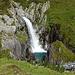 dieser Wasserfall bildet immer wieder schöne Becken