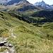 der Wanderweg ins Tal